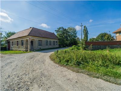 Oportunitate de investitie  Harman, casa vila si teren 6040 mp!